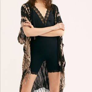 Free People Delfina black tie dye fringe kimono